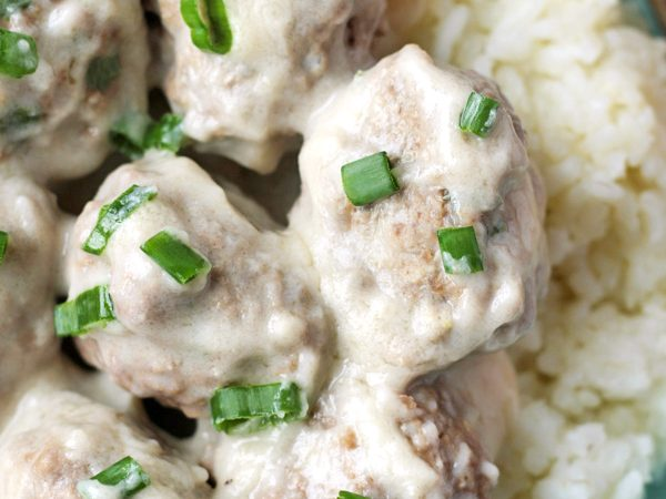 Paleo Whole30 Meatballs with Creamy Sauce