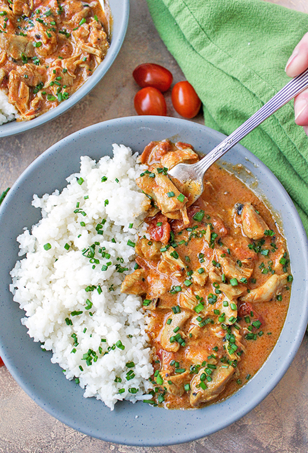 This Paleo Whole30 Instant Pot Chicken Curry is so fast and flavorful! It is so easy to make and only has 7 ingredients. Using the Instant Pot saves time and the result is moist chicken, creamy sauce, and rich flavor. You will love it!Gluten free, dairy free, and low fodmap.