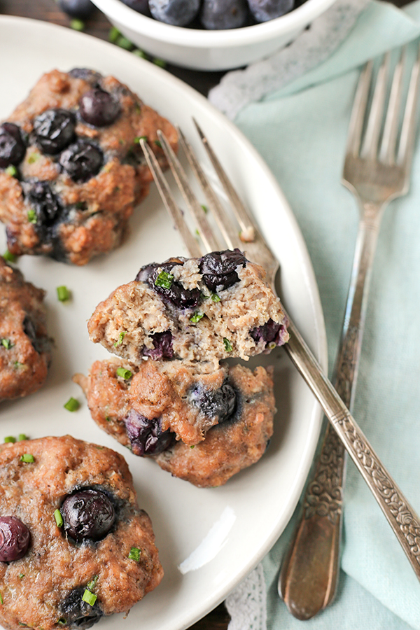 These Paleo Whole30 Blueberry Breakfast Sausages are a great way to switch-up your morning breakfast. Made with just 6 simple ingredients and so irresistible! Gluten free, dairy free, egg free and low fodmap.